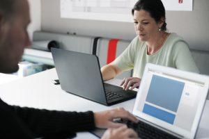 Female Entrepreneur: Women in Tech! Do we need men to help us?